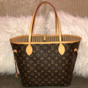 SOLD🎉 Louis Vuitton Neverfull MM Tan Interior